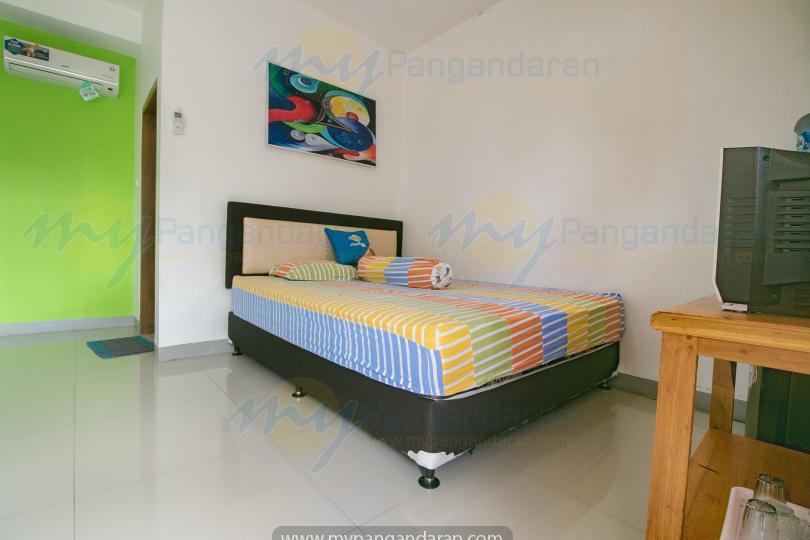 Tampilan kamar losmen kang amir pangandaran<br /> standart AC 1 bed di lantai 3